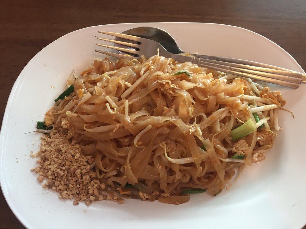 pad thai (Bangkok)