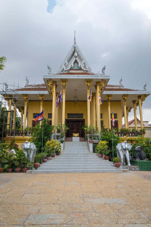 Phnom Penh_Wat Ounalom-3.jpg