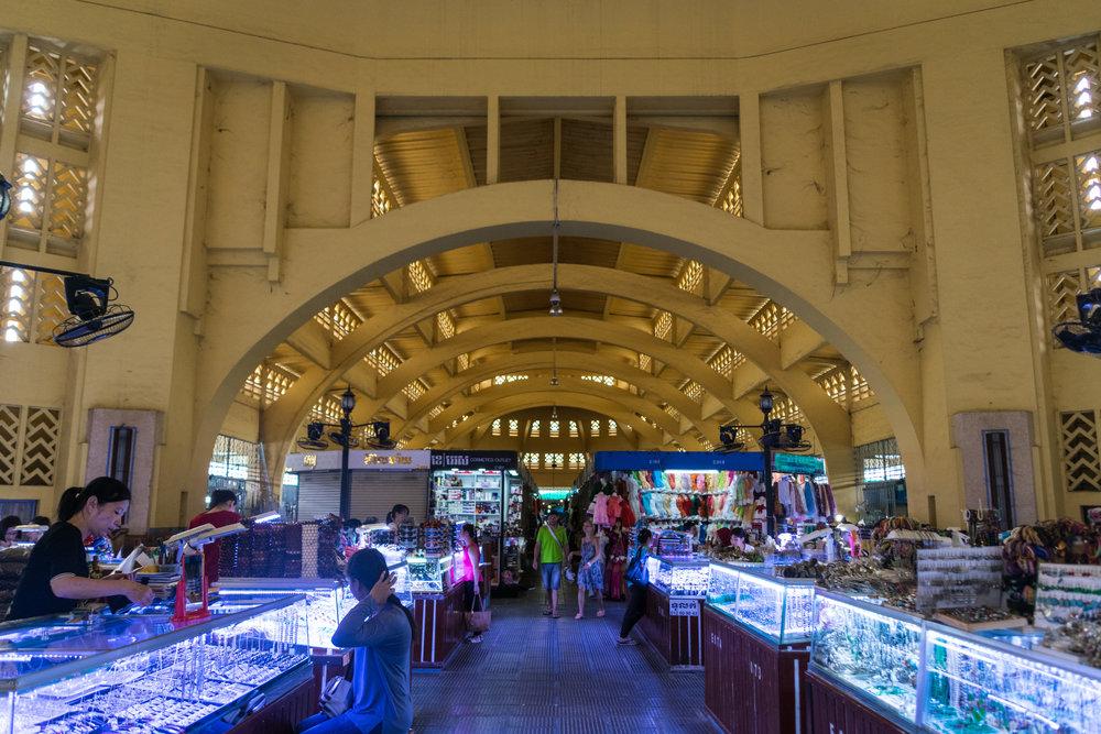 Phnom Penh_central market interior-3.jpg