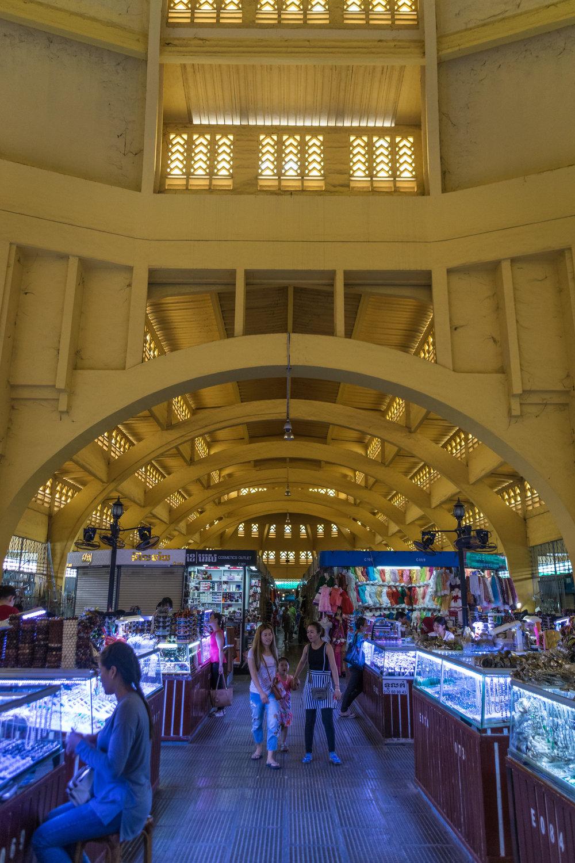 Phnom Penh_central market interior-4.jpg