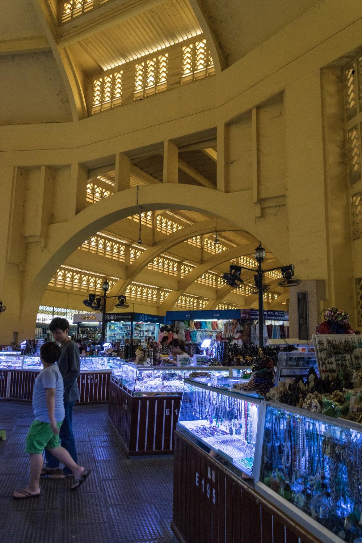 Phnom Penh_central market interior-5.jpg