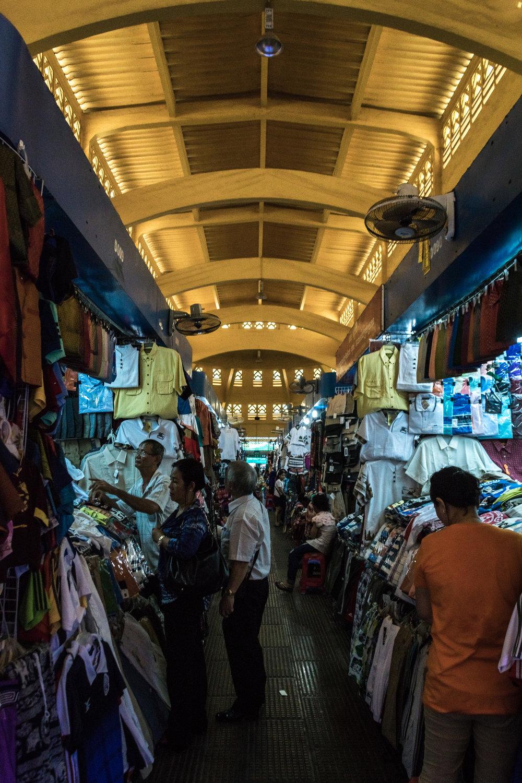 Phnom Penh_central market interior-7.jpg