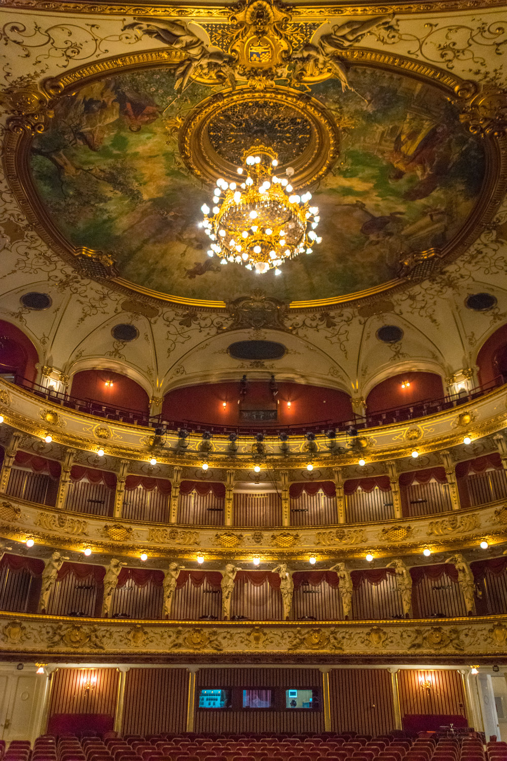 Zagreb_National Theater-1.jpg