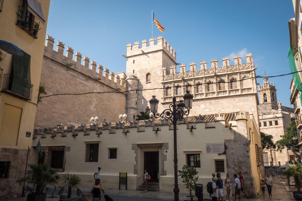 Valencia_La Lonja-2.jpg