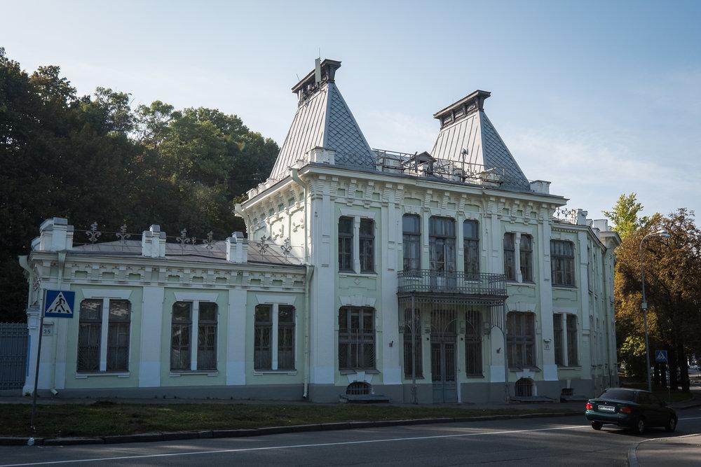 Kiev brick architecture-4.jpg