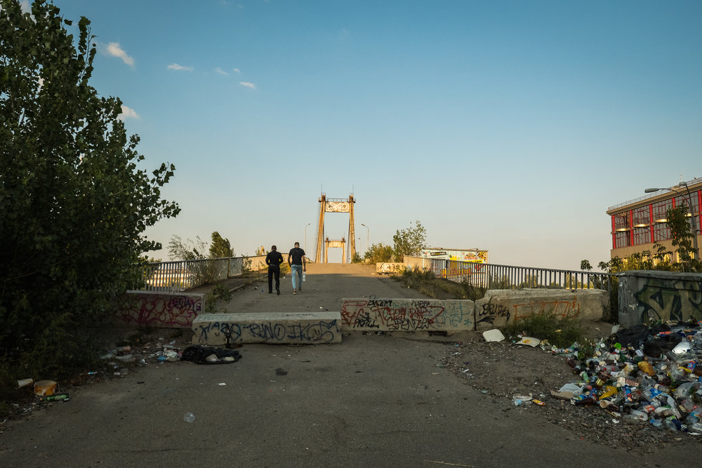 Kiev urban curiosities_3Fishermans Bridge-1.jpg