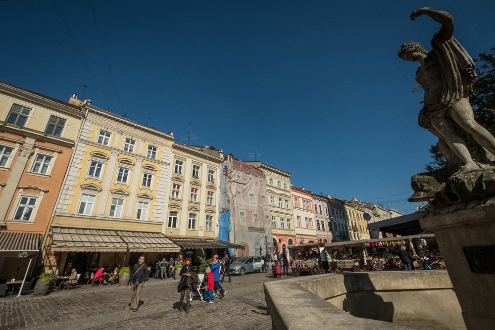 Lviv_Rynok Square (3)-3.jpg