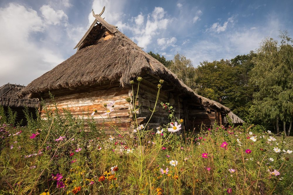Ukrainian folk architecture-7.jpg