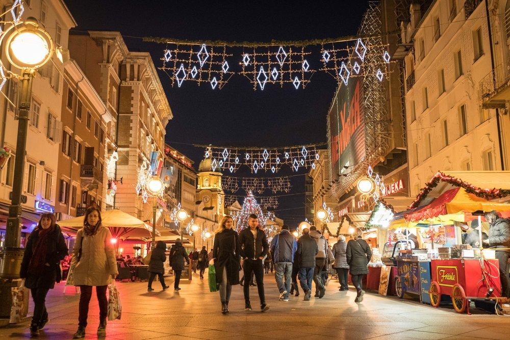 holiday cheer along pedestrian thoroughfare Korzo