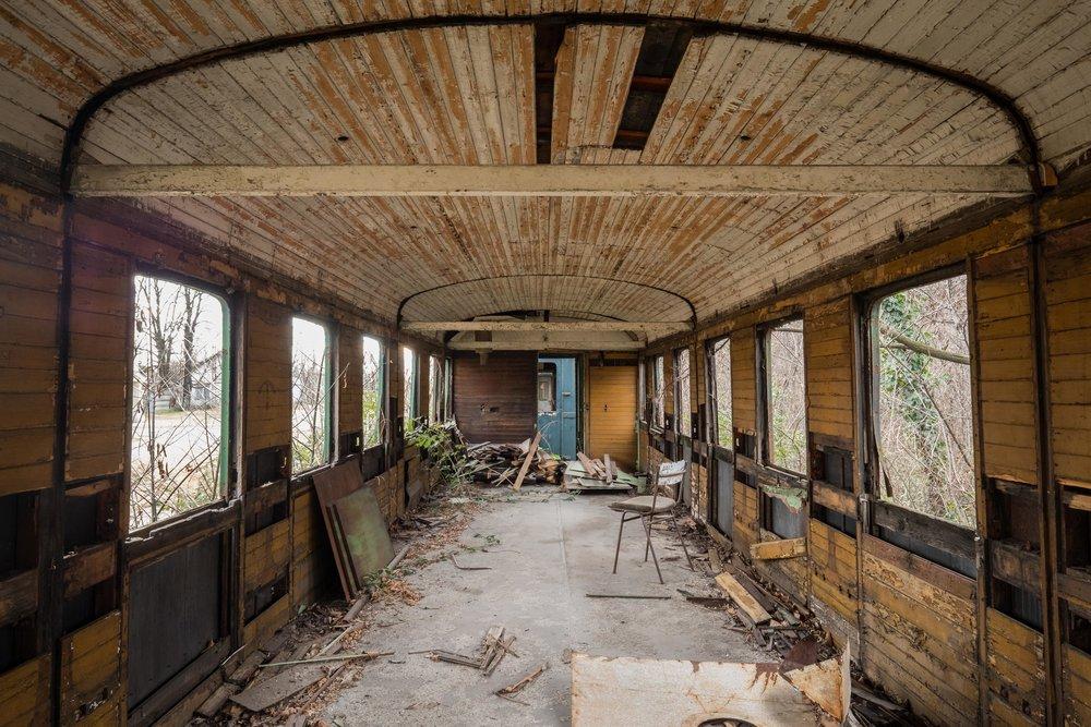 abandoned train_2-2.jpg