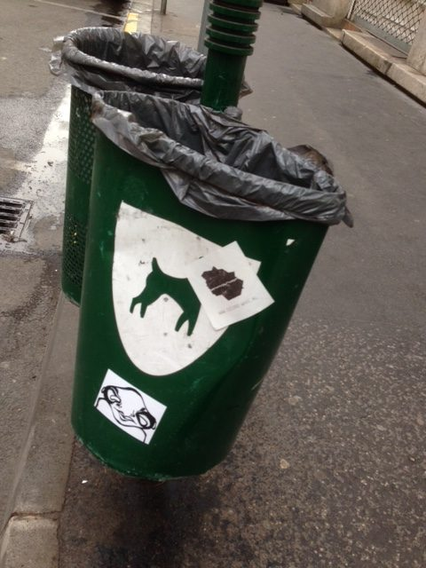 trash can for dog poop in Budapest (photo credit: thatshamori.com)