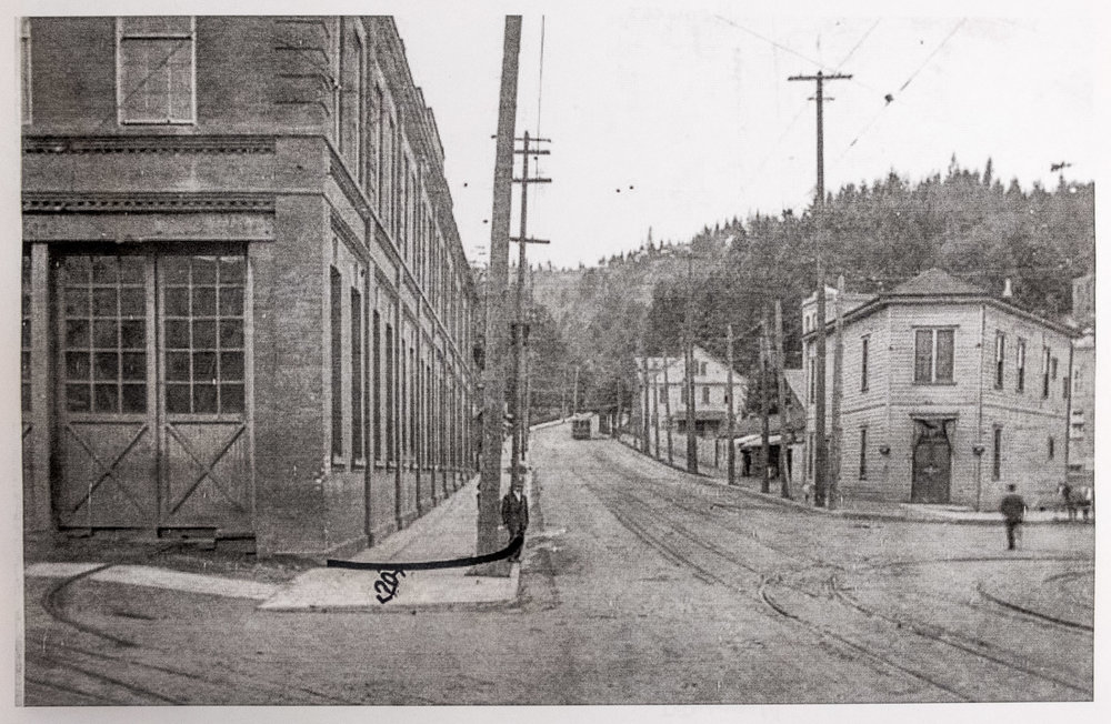 The intersection of Burnside Street and NW 23rd Avenue, looking from the east, 1910