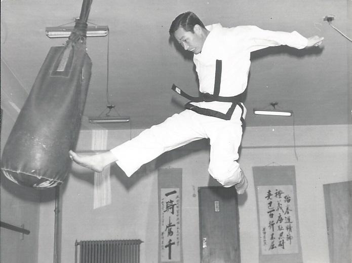 0010 Grandmaster Lee Lawrence MA UTKD 1970s.jpg