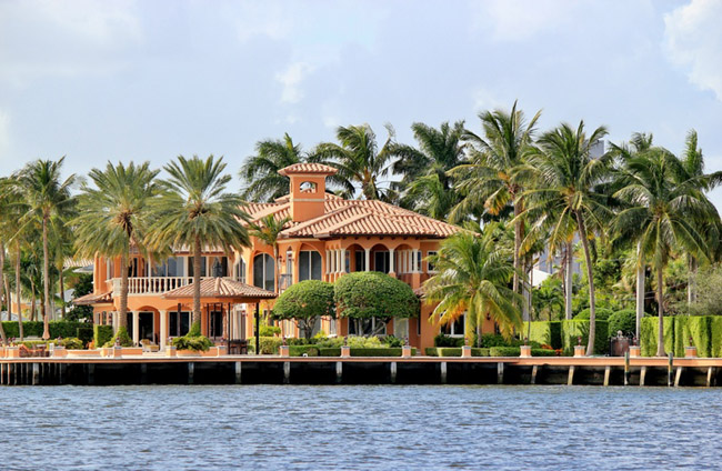 Vero_Beach_Waterfront_Home_1.jpg
