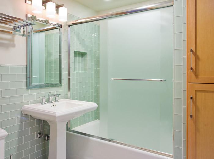 Baths for Modern Elegance