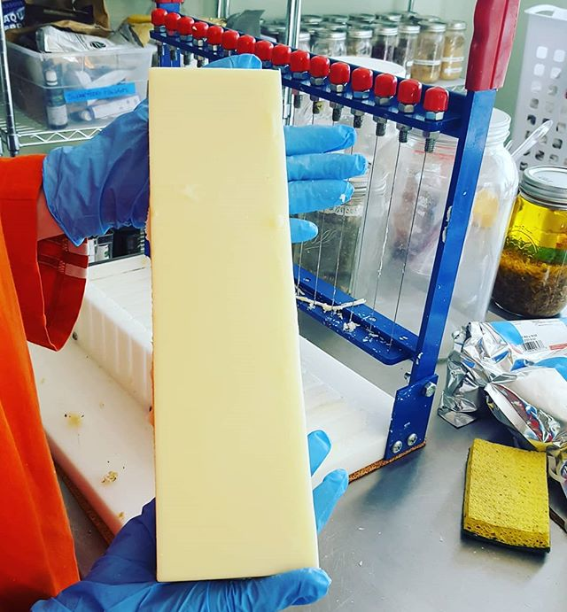I so enjoy unmolding soaps and cutting them onto bars! 😍  It's actually fun from start to finish. Now they just need to cure for 4 to 6 weeks to complete the process and voila...a fabulous bar of soap! 👍