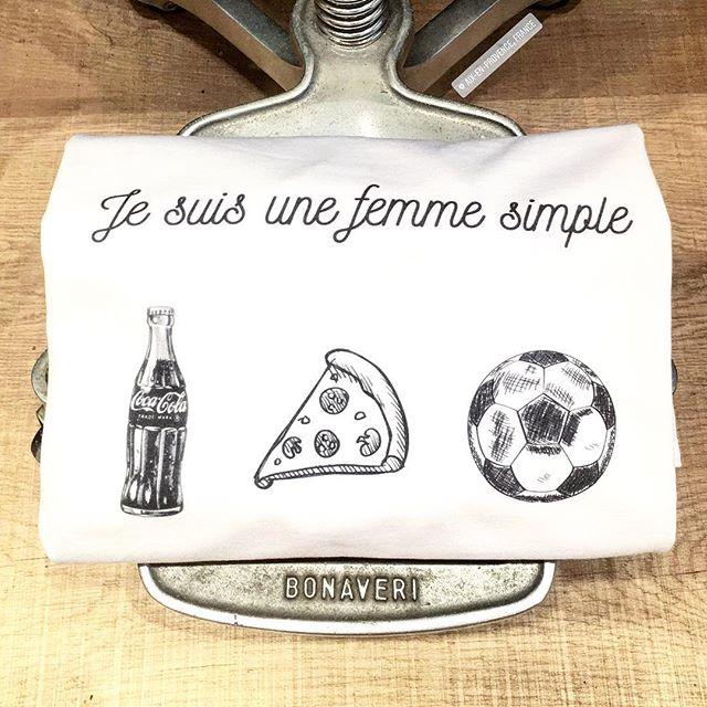 Femme parfaite ? @triaaangles #personnalisation du jour par Julie. #foot #coca #pizza 😘
