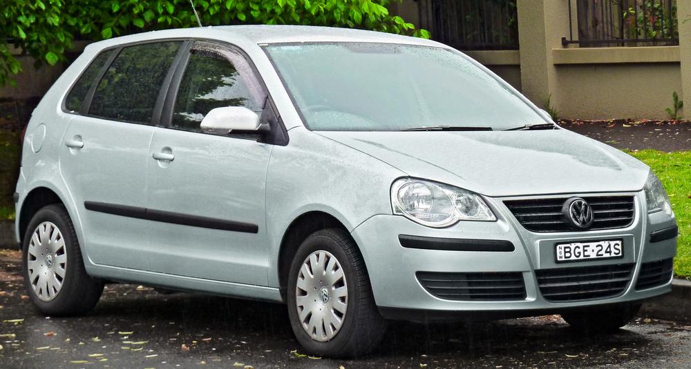 2005-2008_Volkswagen_Polo_(9N3)_Match_5-door_hatchback_(2011-10-25).jpg