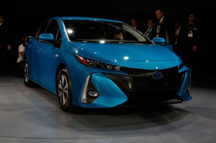 Toyota's anti-petrolhead primadonna.