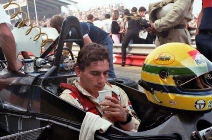 Senna was hastily brought back for the last two Grands Prix of the 1984 season.