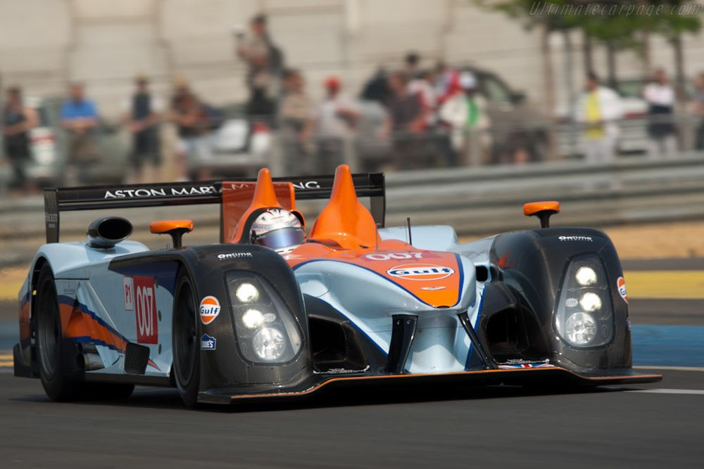 The No. 007 car during a public testing session at Le Mans