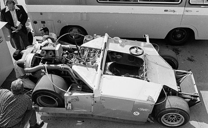 The 2J undressed. Note the snowmobile engine between the V8's exhaust pipes
