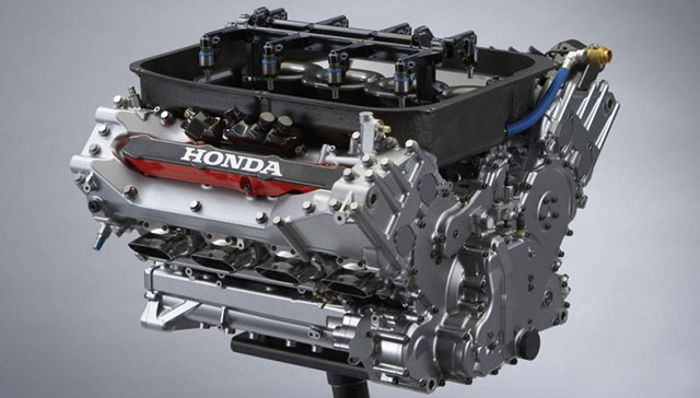 The Honda RA806-E 2.4L NA V8 engine powering the SA05.