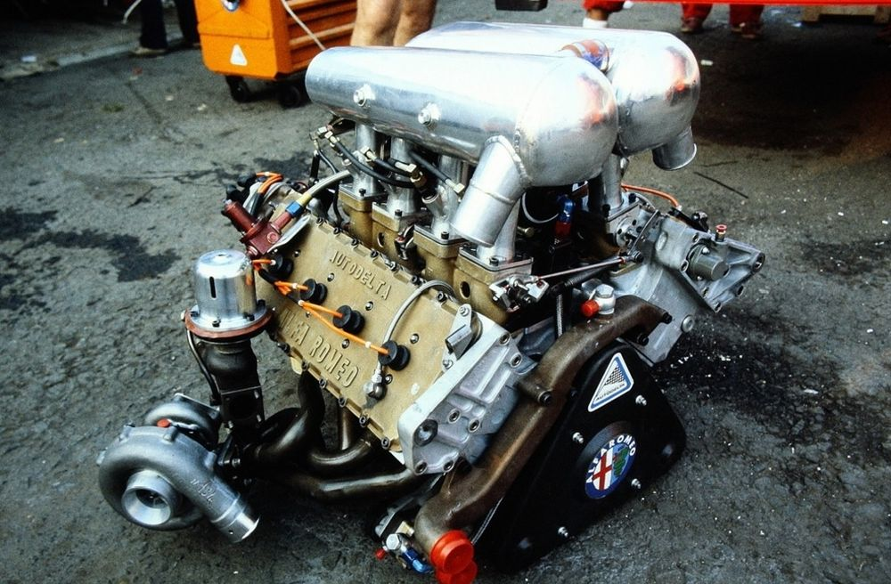 Alfa Romeo's unusual 890T V8.