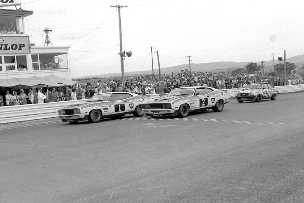 The unprecedented photo finish, Bathurst 1977.