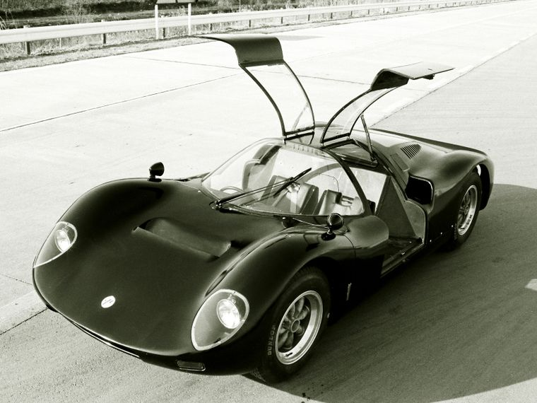 The gorgeous R380-II was built to directly counter the Porsche 906.