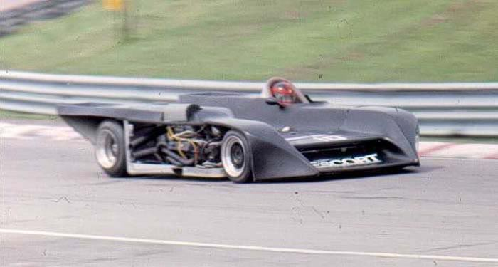 Milt Minter was forced to retire after losing bodywork, Mosport 1983.