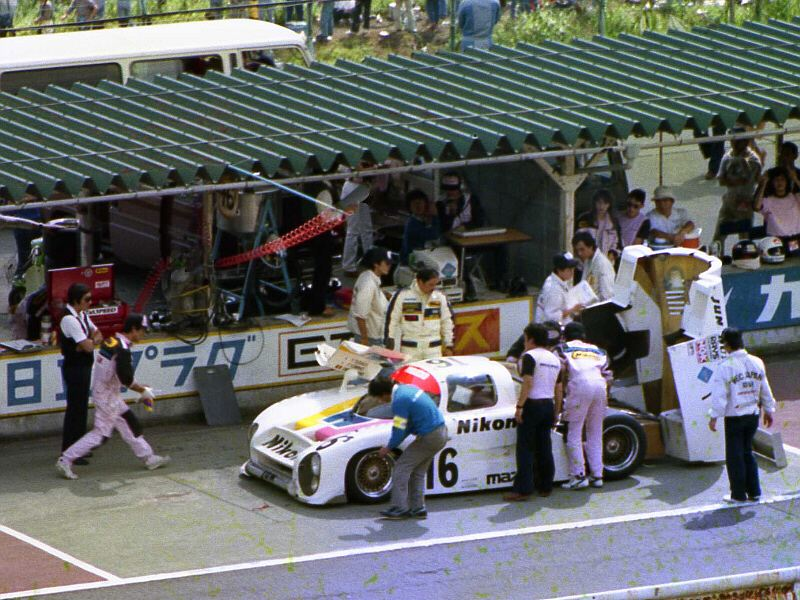 The 717C's home race was less than successful. Fuji Speedway, 1983.