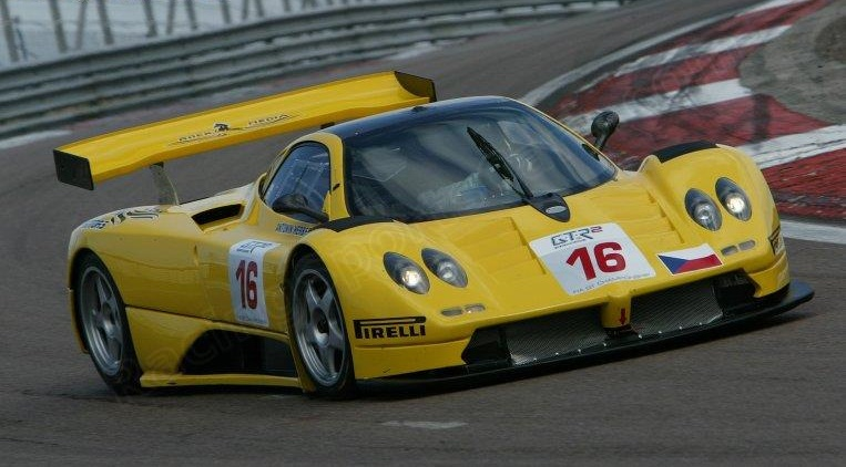 The modified Zonda GR at the FIA GT Championship Test, Dijon 2006.