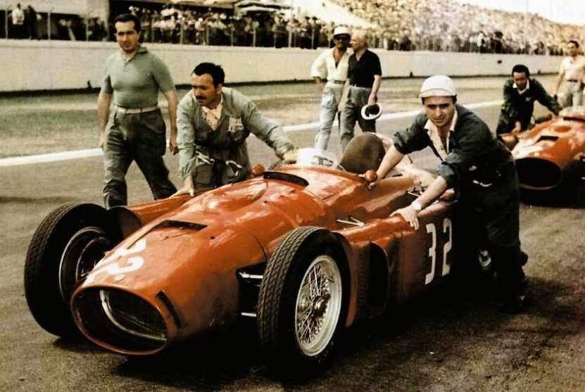 Scuderia Lancia getting the D50's in position, 1955 Argentine Grand Prix, Buenos Aires.