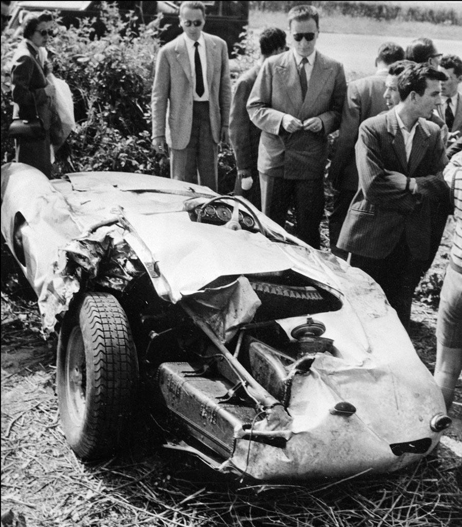 The wrecked Ferrari 750 Monza after Alberto Ascari's fatal crash.