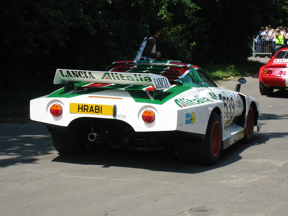 The tail section of the 1977 car was even longer and wider.
