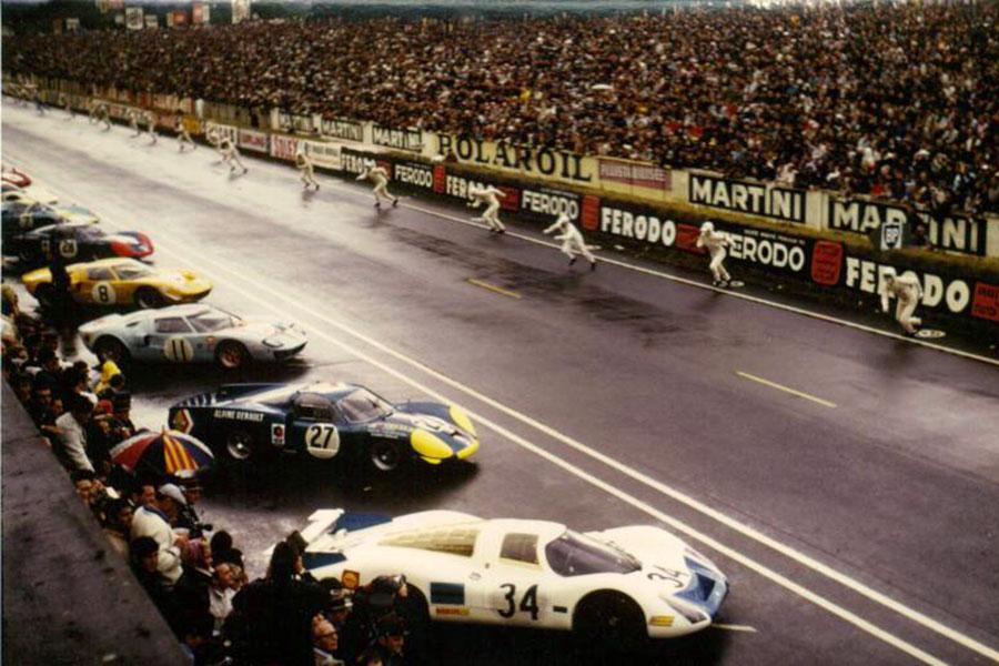1968 Le Mans start, Bianchi/ Depailler A220 waiting between a Porsche 908 and a Gulf Ford GT40.