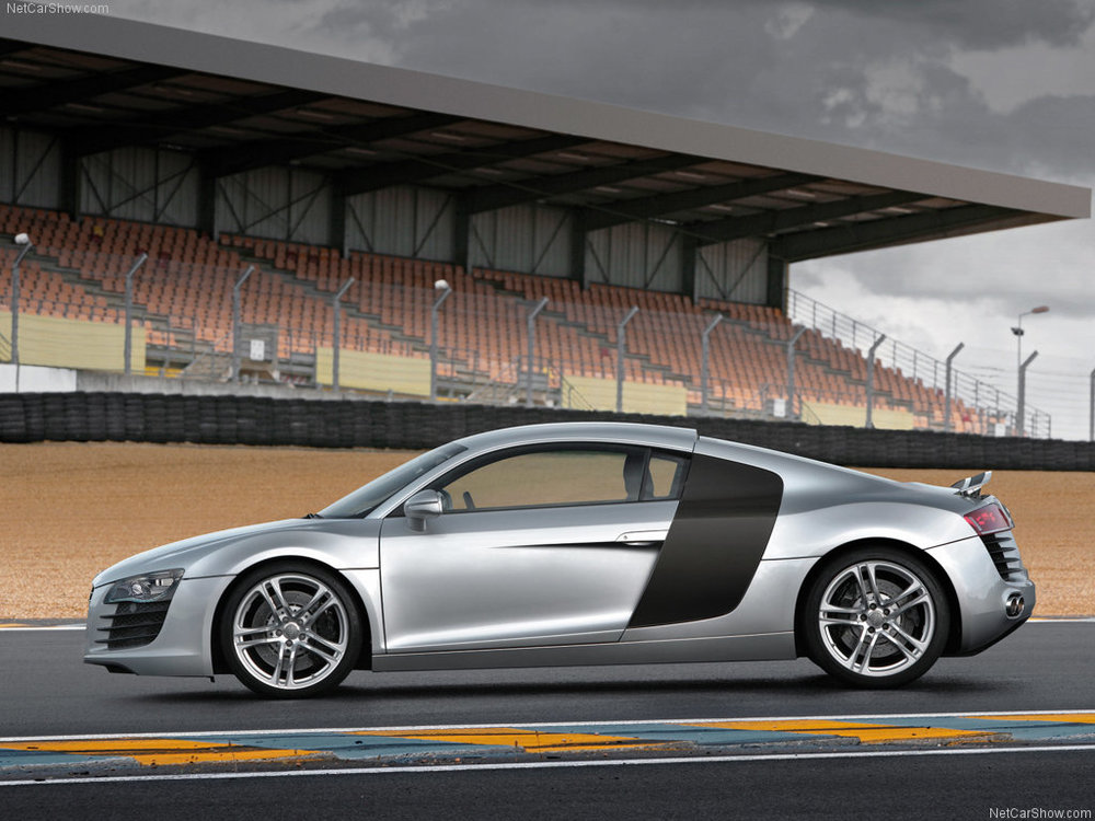 The R8 at its spiritual home: Le Mans.