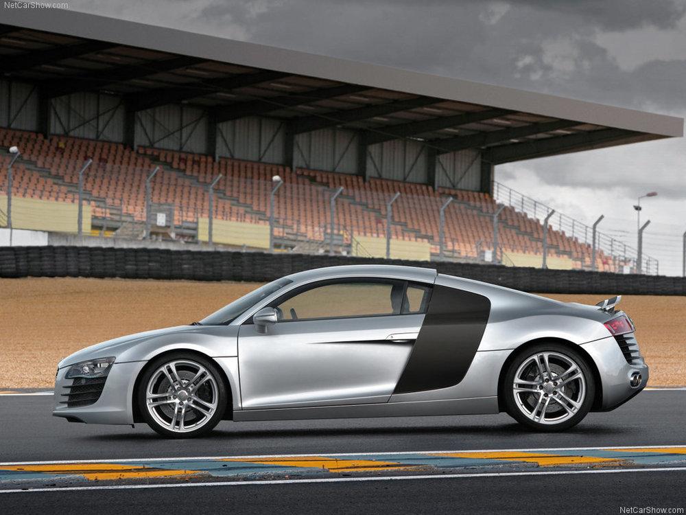 The R8 at its spiritual home: Le Mans.