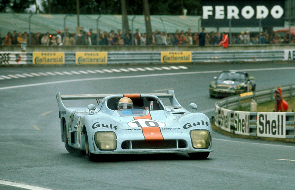 Gulf-Mirage GR8 of Jacky Ickx / Derek Bell on the way to victory, Le Mans 1975.