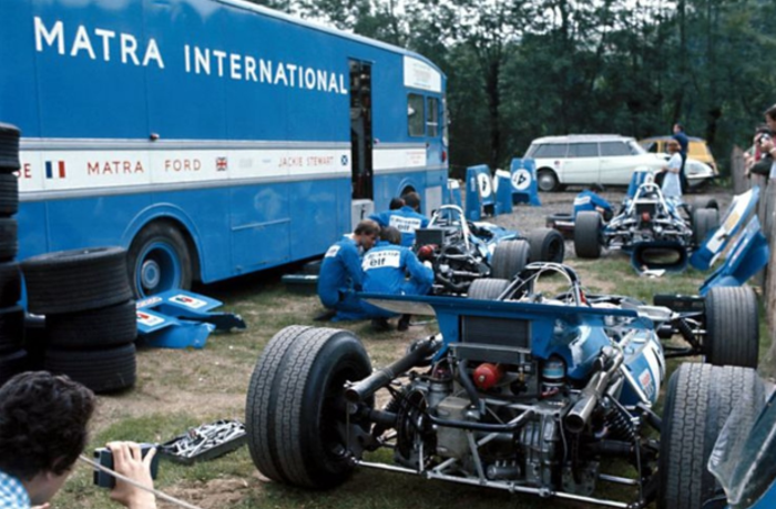 The MS84 (foreground) in the paddock at Clermon-Ferrand, 1969.