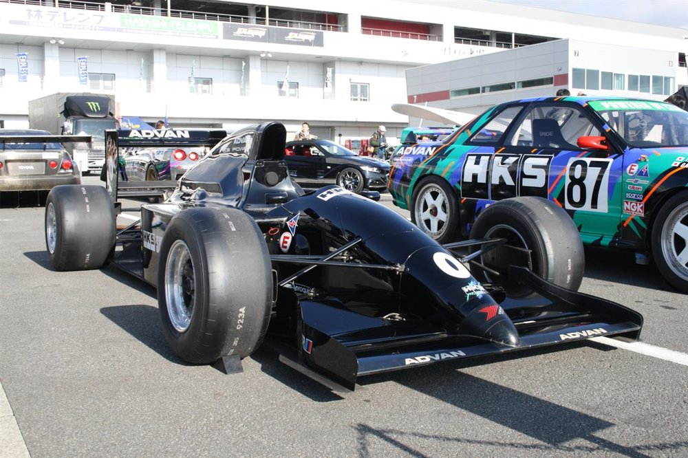 HKS opted to test the engine in an F3000 chassis before getting involved with F1-teams.