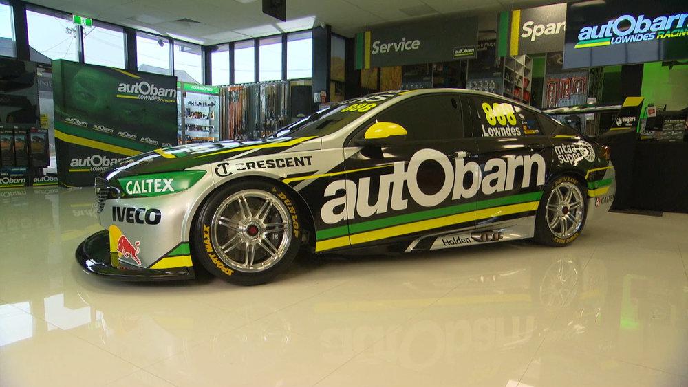 autObarn-Lowndes-Racing-VNR-31.1.18-v2.00_01_09_11.Still001.jpg