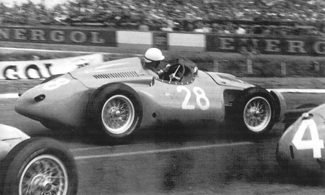 Maurice Trintignant had a tough time in the Bugattis at Reims.
