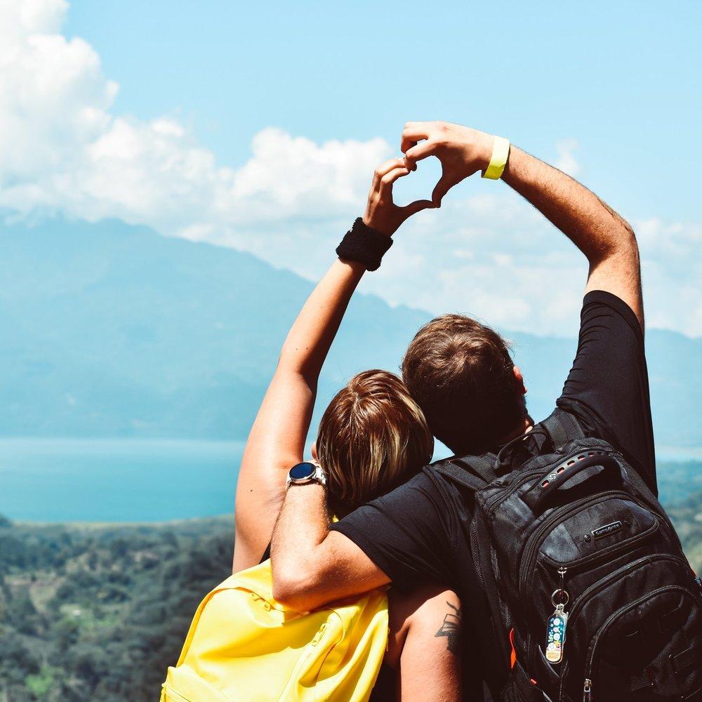couple-freedom-friends-1066801.jpg
