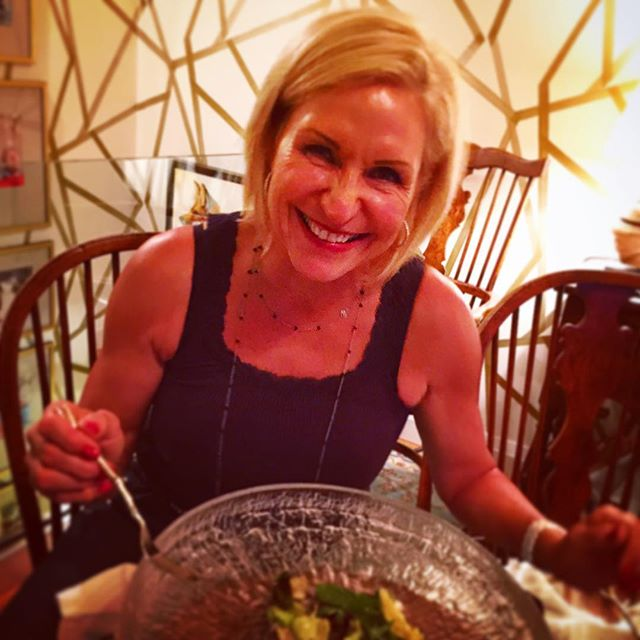 That's not a salad. This is a salad. I can't believe I ate the whole thing. #eatclean #eatingclean #eatcleandiet #tosca #toscareno #salad @goldfish_shoes @piawiesen #sparkle @sarahlunncom #friday #spaghetti