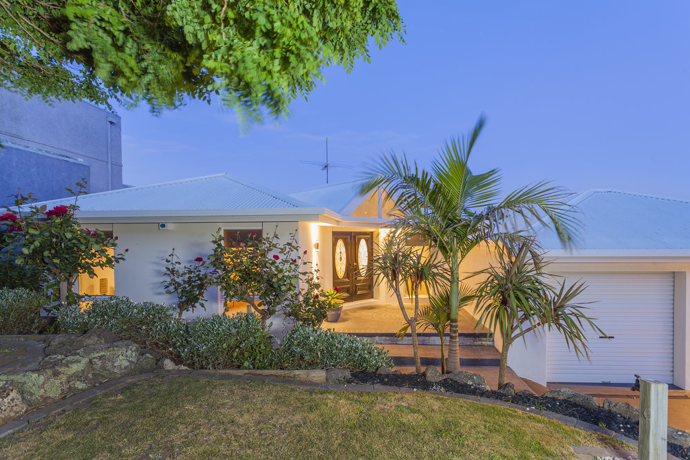 FrontGarden-2_Denham_Crt__Highton.jpg