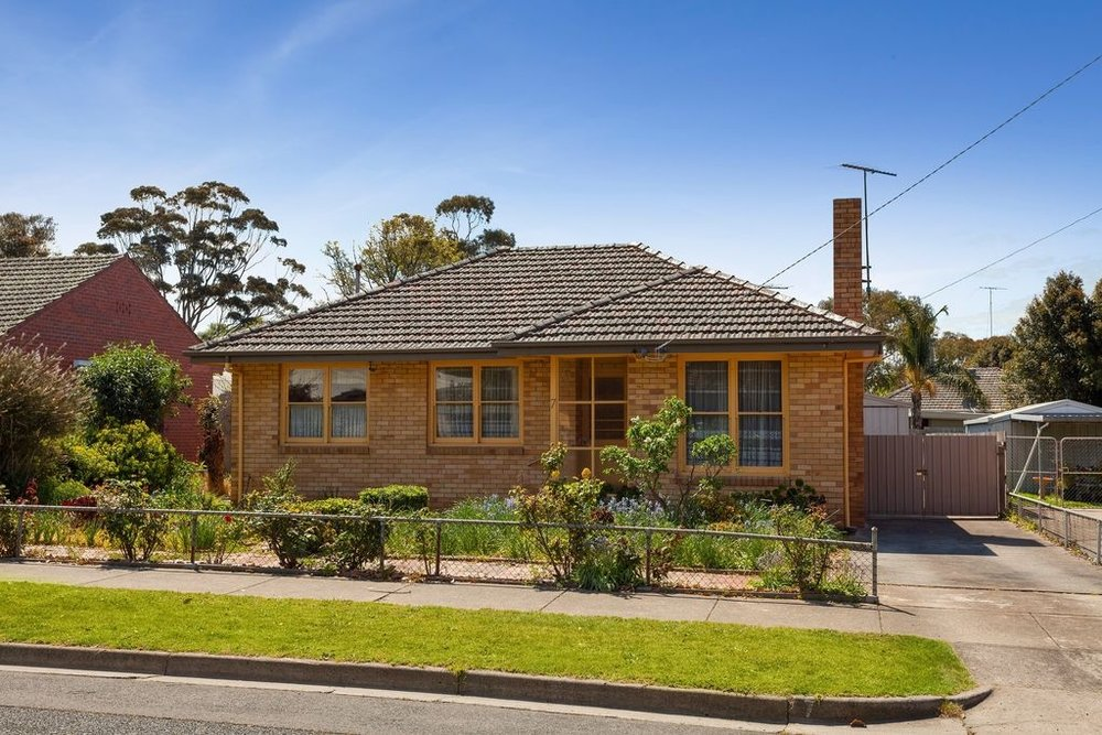 Eastern opportunity!  new price range!!!!!  UNDER OFFER - 08/01/2019   inspection by appointment only - contact paul bell on 0448 772 355.  With the great capital growth that continues in East Geelong, here is your opportunity to become part of it! This modest home set on 592.2m2 approximately, with the thing we all want, a north facing back yard, has all the potential to become your forever home!