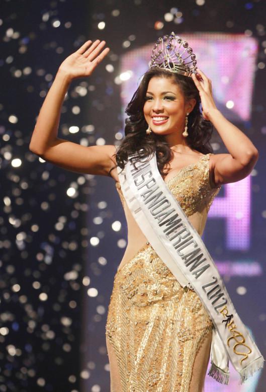 Coronation night of Sarodj Bertin as Reina Hispanoamericana 2012 Photo: Promociones Gloria