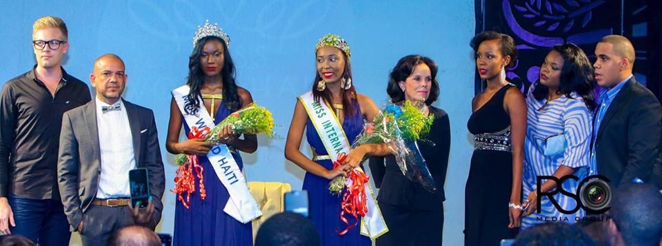 Seydina Allen, Miss World Haiti 2015 aux cotés du bijoutier Luis Rivas (à gauche) et de Marie Viannye Menard, Miss Haiti International 2015 (à droite) Photo: RSC Media Group